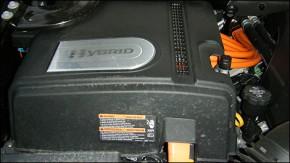 2009-escalade-hybrid-i02