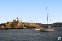 Bodrum le Saint Tropez de l'Egée caiques amarrés au chateau
