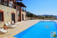 Villa de satnding avec piscine et vue mer