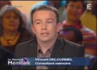 Vincent Delourmel magicien et auteur d'une formation en mentaliste
