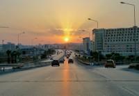 tunis aeroport terrain proche de nombreux centres d'affaires, de bureaux et grandes administrations internationales