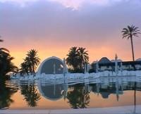 Situé en Tunisie sur l'île de Djerba, à 250 mètres de la plage, dans un écrin de verdure, vous y apprécierez la qualité des nombreux services favorisant votre bien-être.