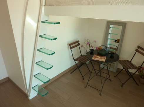 escalier mezzanine design en verre. Black Bedroom Furniture Sets. Home Design Ideas