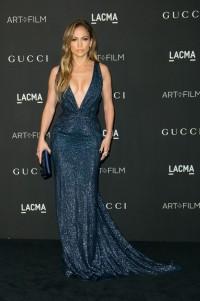 Jennifer Lopez en robe bleue de sequin