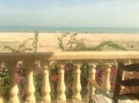 Tunisie Gammarth vivre pieds dans l'eau face à la méditerranée