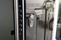 Comment faire pour sécuriser une porte d'entrée simple